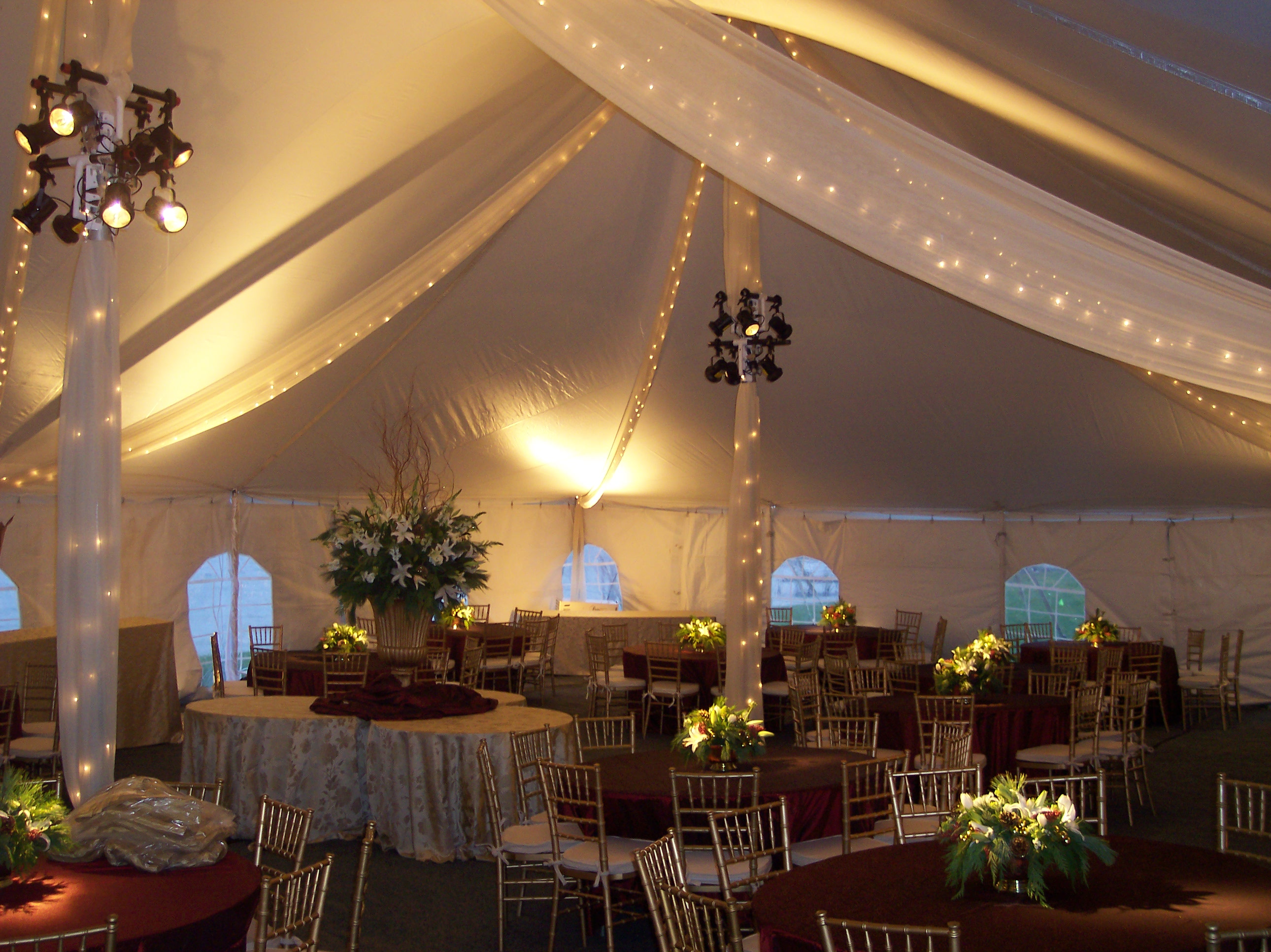 Photo Pole Tents & Photo: Pole Tents |